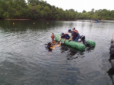 水難救助活動要員との連携訓練