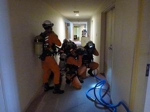消防隊・救助隊による屋内進入