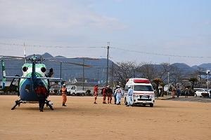 救急隊と兵庫県防災航空隊との連携訓練