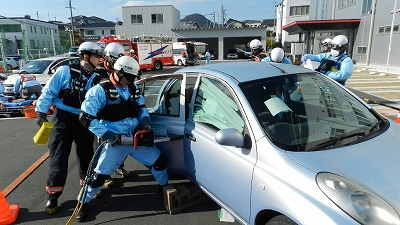 救助隊による救出活動の状況