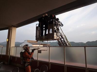 消防署 救助隊・はしご隊 要救助者救出