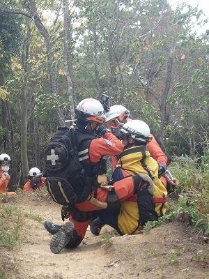 航空隊員と救助隊員との連携活動